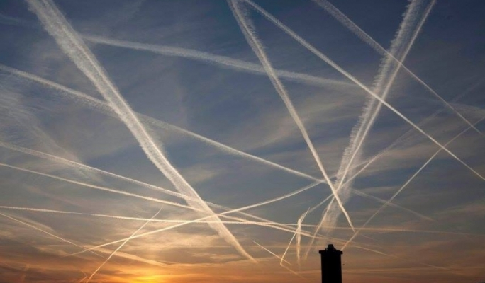 Italian Senator Calls for Declassification of Chemtrail Documents