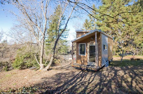http://themindunleashed.org/wp-content/uploads/2014/04/tiny-house.jpg