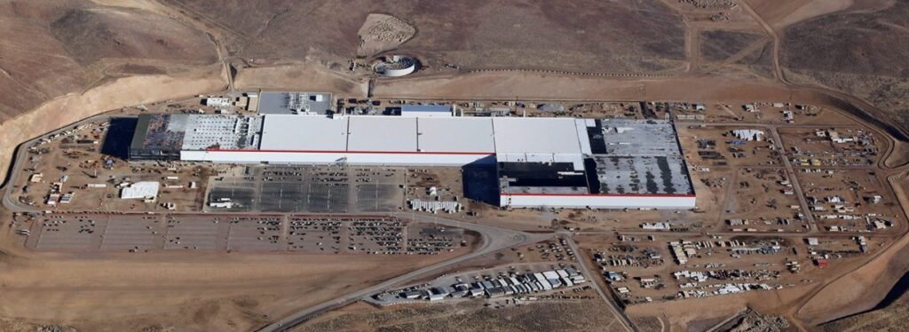 Tesla's Nevada Gigafactory Will Be Run on a Massive Solar Rooftop Array