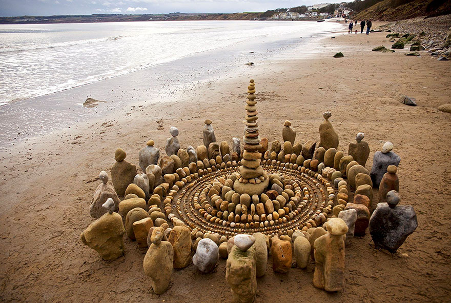 Artist Spends Hours Creating Natural Mandalas, And He's Hoping You Will Find Them James-Brunt-Nature-Mandalas-2