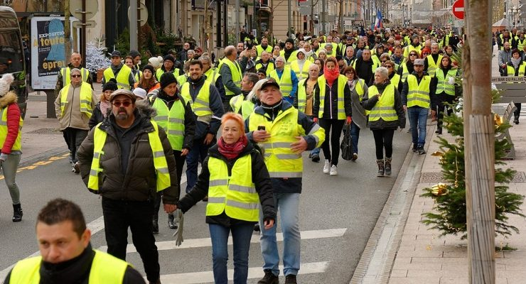 Yellow Vests Macron