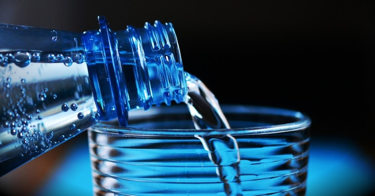 FDA Wants to Lower Amount of Fluoride in Bottled Water, but Scientists Say it is Still Too High Fda-fluoride-bottled-water