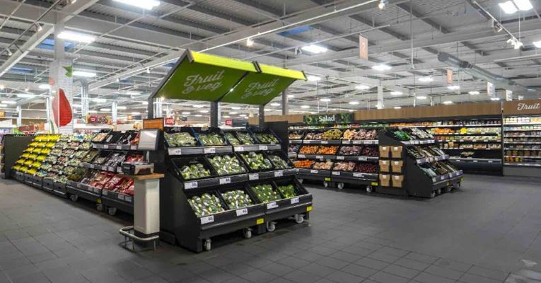 First UK Supermarket Chain to Eliminate Plastic Will Save 1,300 Tons of Plastic From Landfill