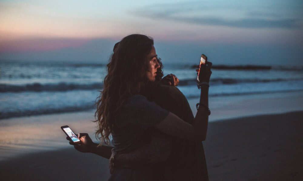 3 Ways Consumerism and Social Media Are Killing the Value of Friendship